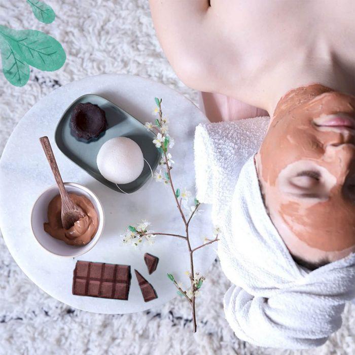 Eponge de konjac et shampoing solide au chocolat, Lamazuna